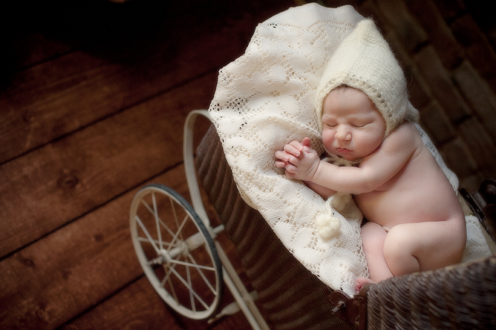 Newborn baby photographer portland oregon kimi photography