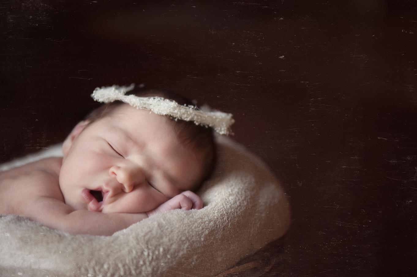 newborn photographer in Portland Oregon