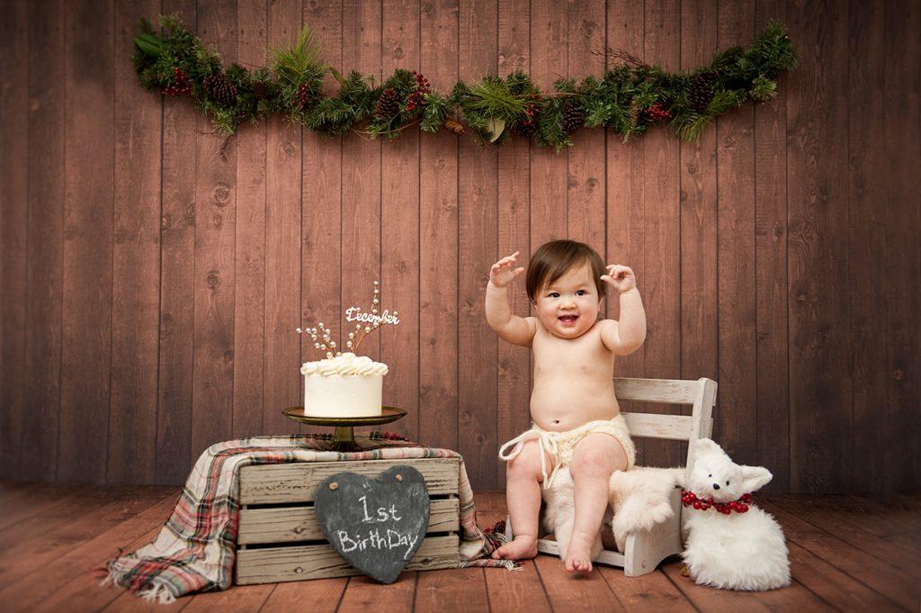 cake-smash-one-year-old-1st-birthday-photographer-Portland-Kimi-photography