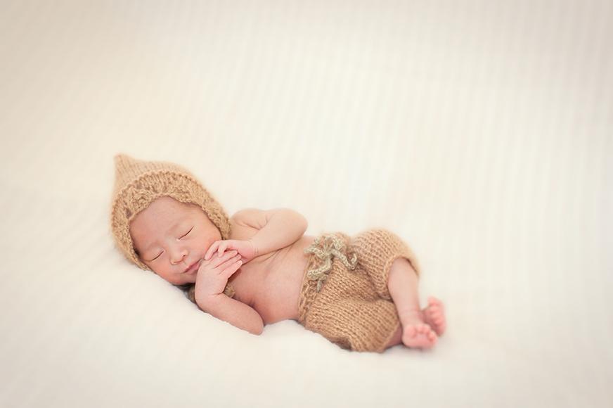 newborn-baby-picture-Portland-Oregon-Kimi-photography