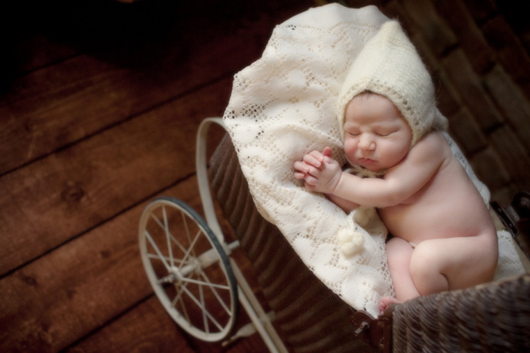 newborn-baby-picture-portland--photographer-Kimi-Photography-02