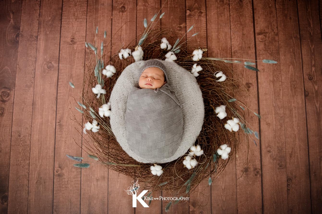 newborn-baby-photographer-near-St-Vincent-hospital-8
