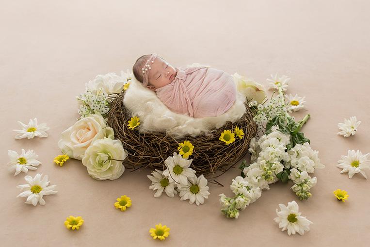 newborn-baby-photographer-near-St-Vincent-hospital-15
